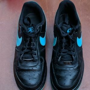 Nike Air Force 1 low top shoes, size 7Y